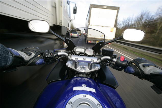Gain time by motorcycle commuting