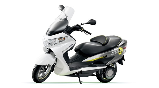 Fuel cell Suzuki creeps closer to a showroom reality