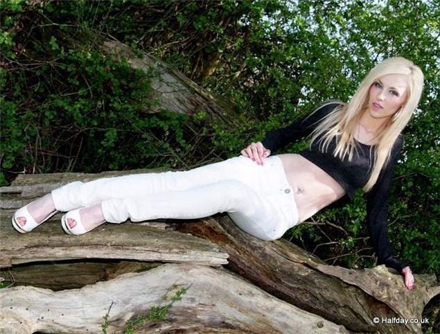 Lynsey, 27, Cumbria