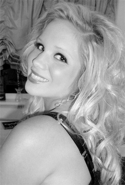 Yasmin, 19, Bedfordshire