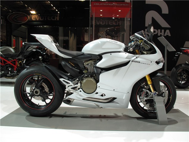 Intermot Ducati 2013 New Colours Visordown