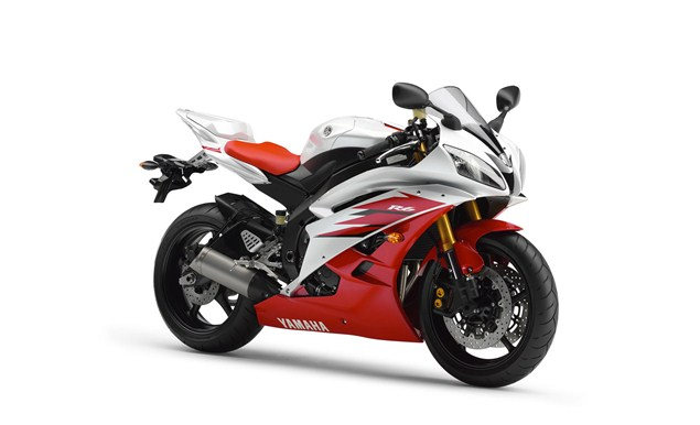 Next Yamaha R6 and R1 will be triples