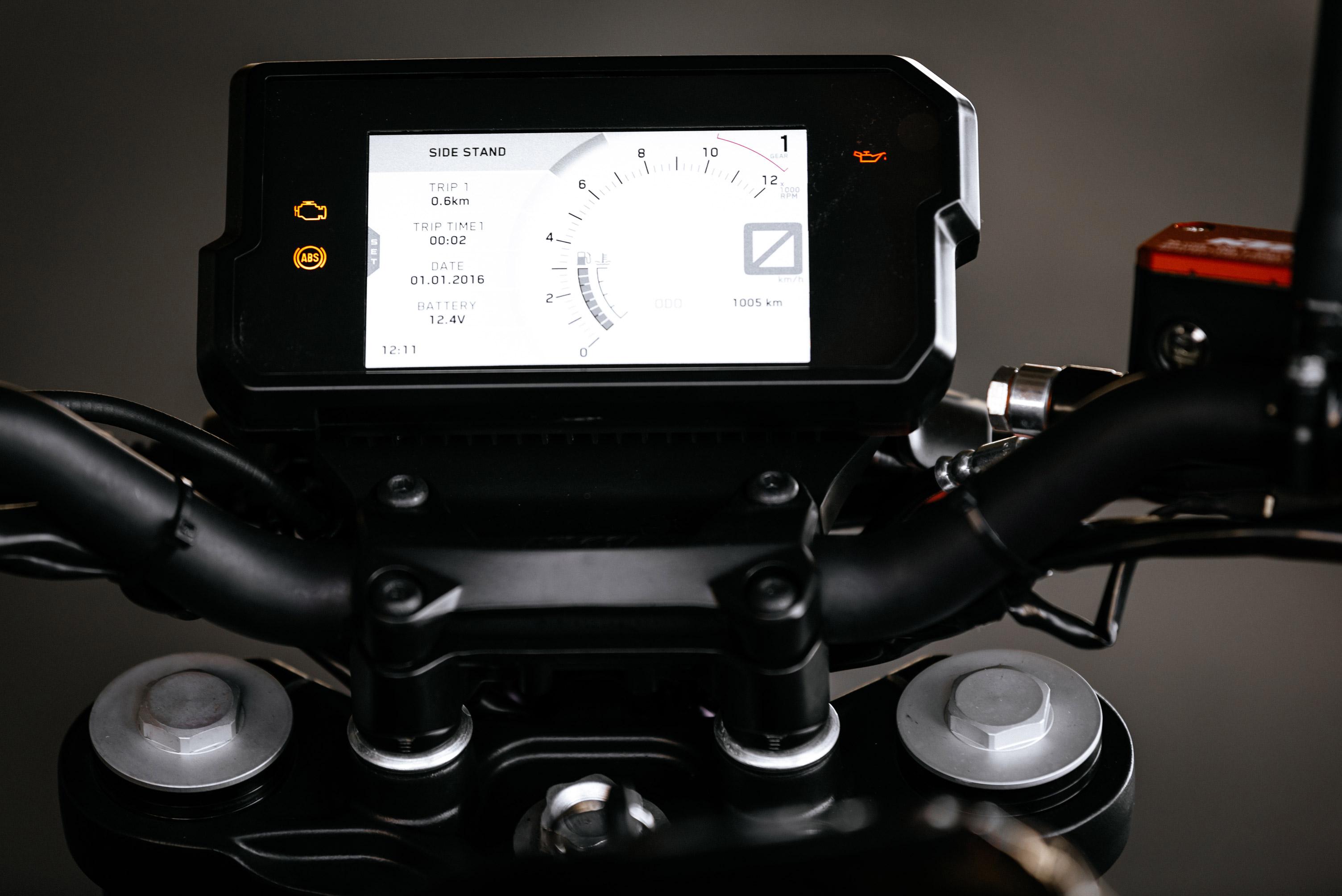 KTM 125 and 390 Duke dash