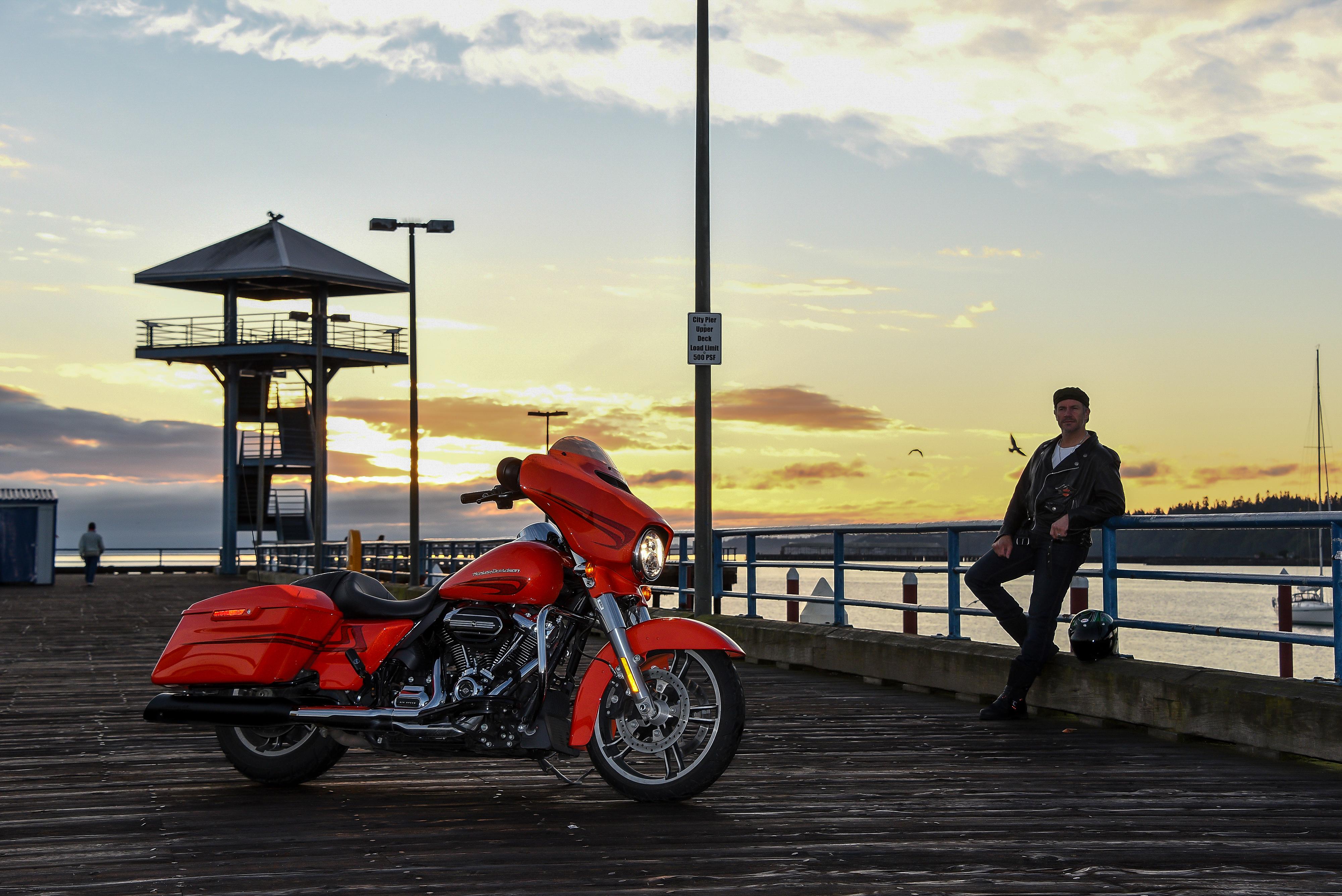 Harley Davidson Street Glide Special Review Visordown