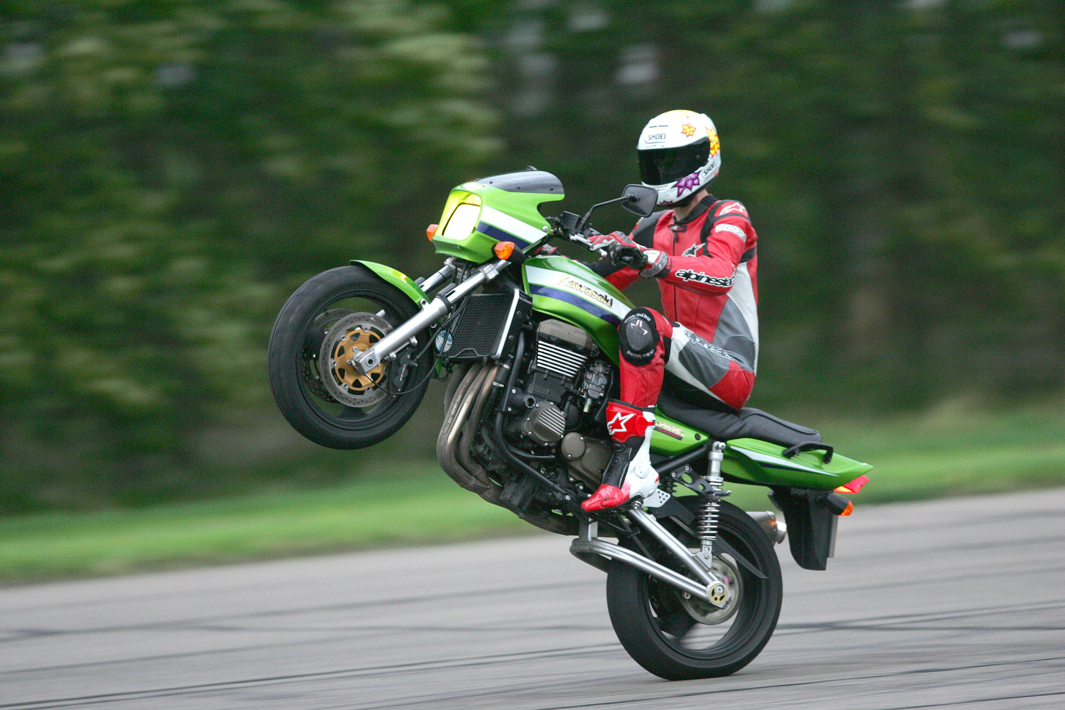 Living with a 2005 Kawasaki ZRX1200R | Visordown