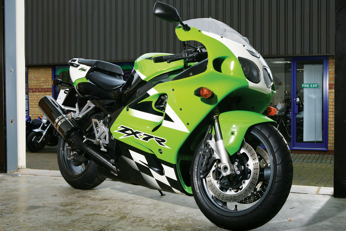 Buyers Guide Review Kawasaki Zx 7r Visordown