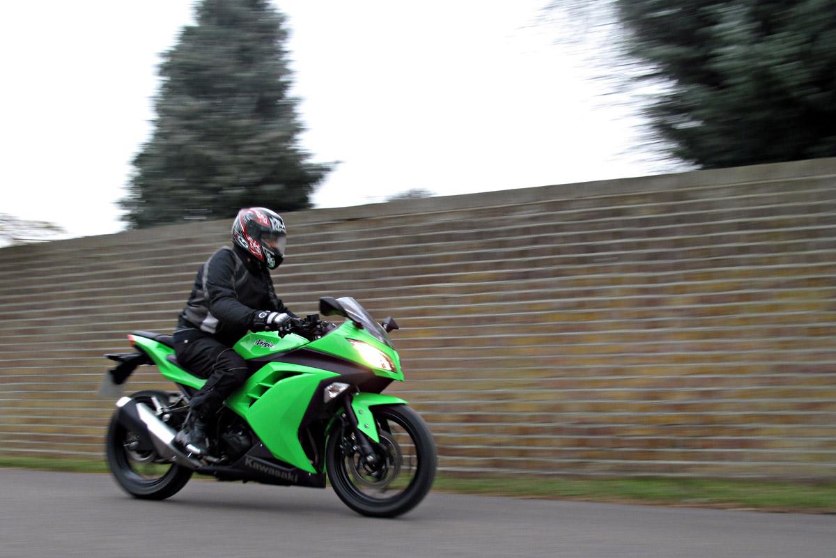 First Ride: 2013 Kawasaki Ninja 300 review | Visordown