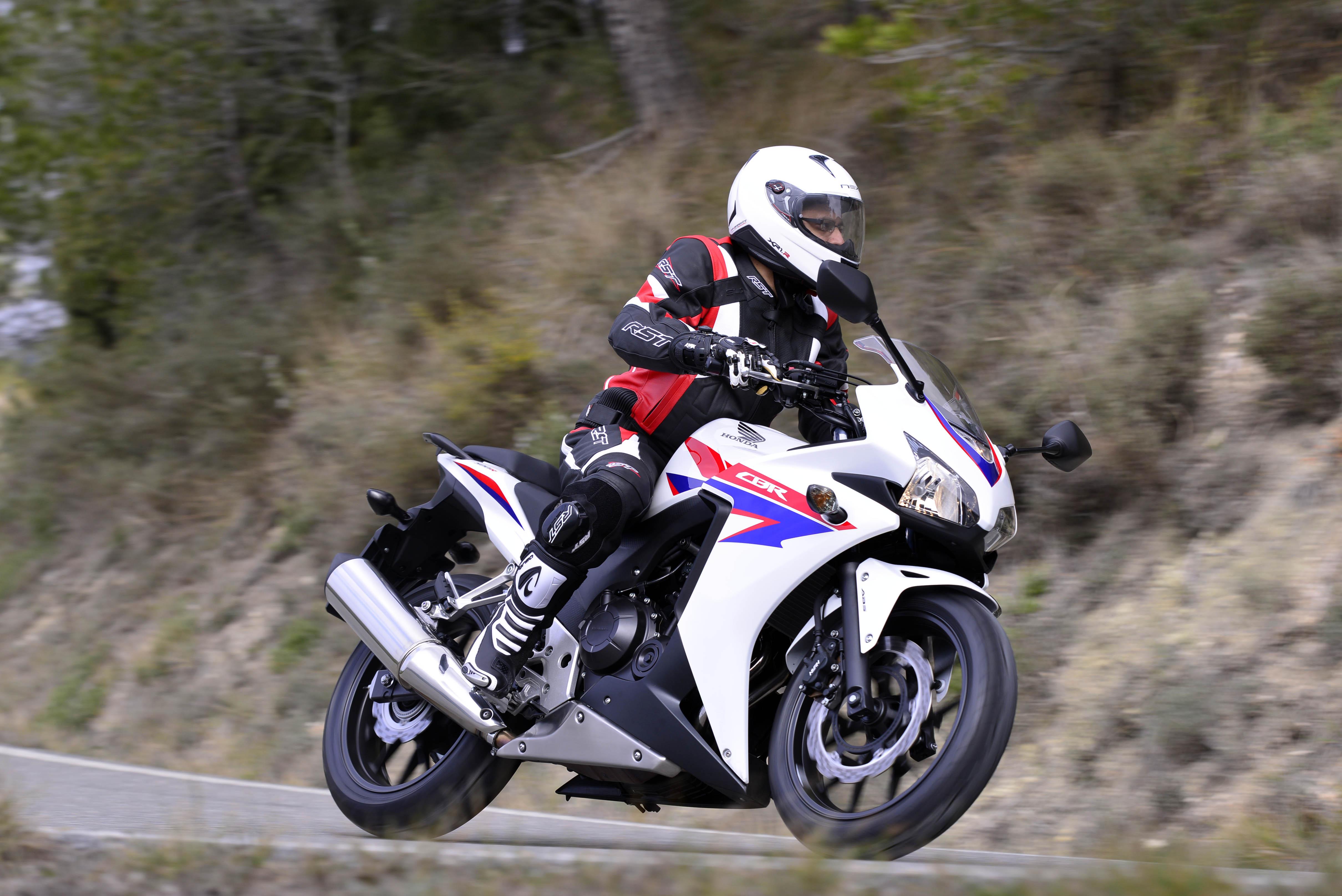First Ride: 2013 Honda CBR500R review | Visordown