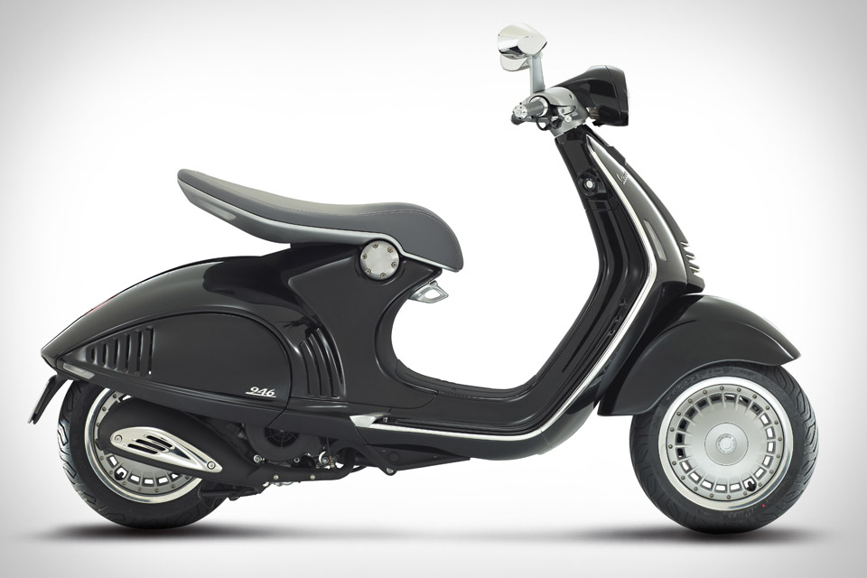 10 of the best 125cc scooters visordown. Black Bedroom Furniture Sets. Home Design Ideas