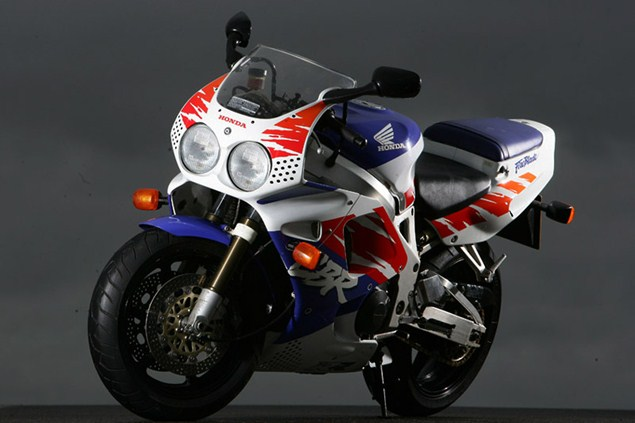 Top 10 sports bikes of the 1990s