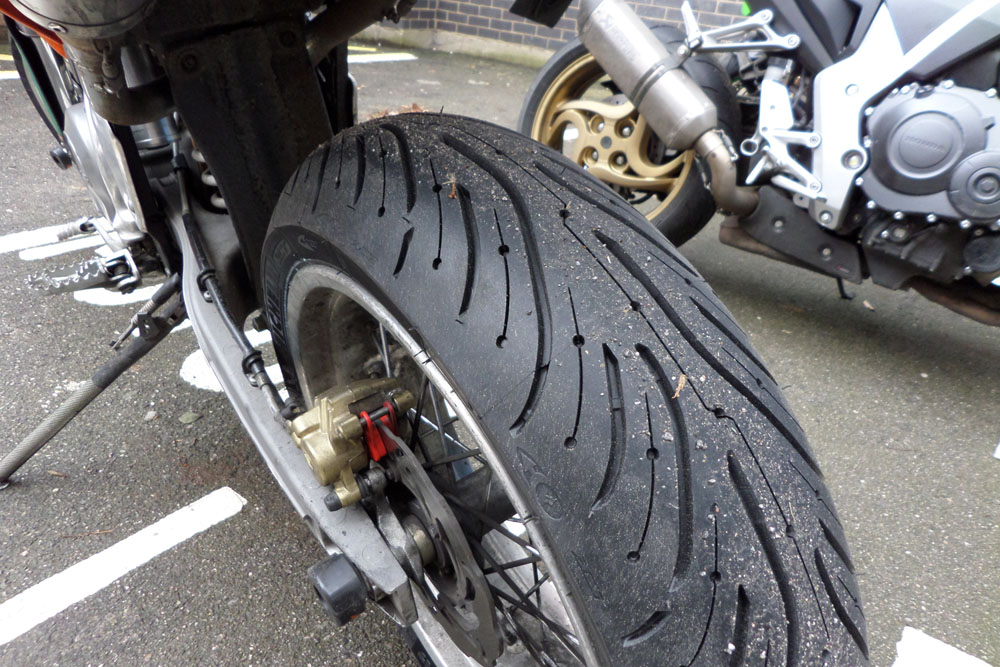 new michelin pilot road 4 tyres visordown. Black Bedroom Furniture Sets. Home Design Ideas
