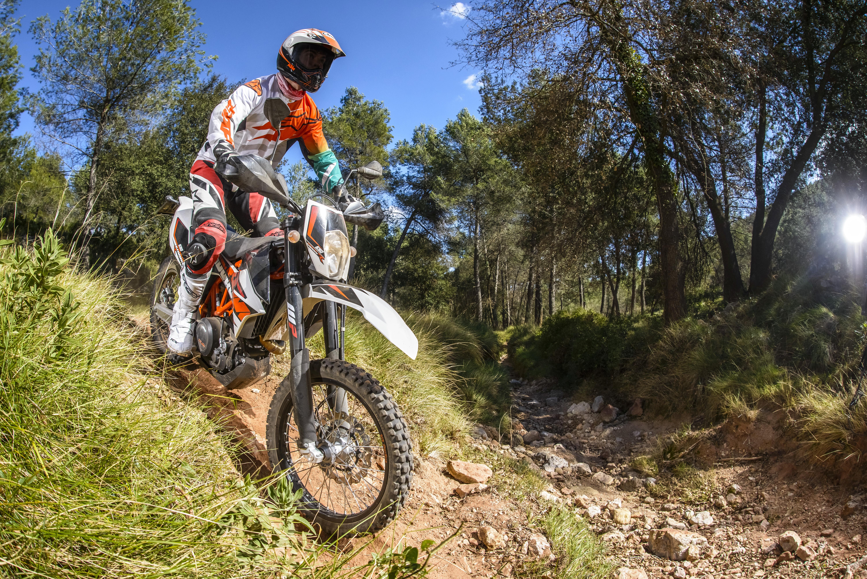 First Ride: 2014 KTM 690 Enduro R review | Visordown