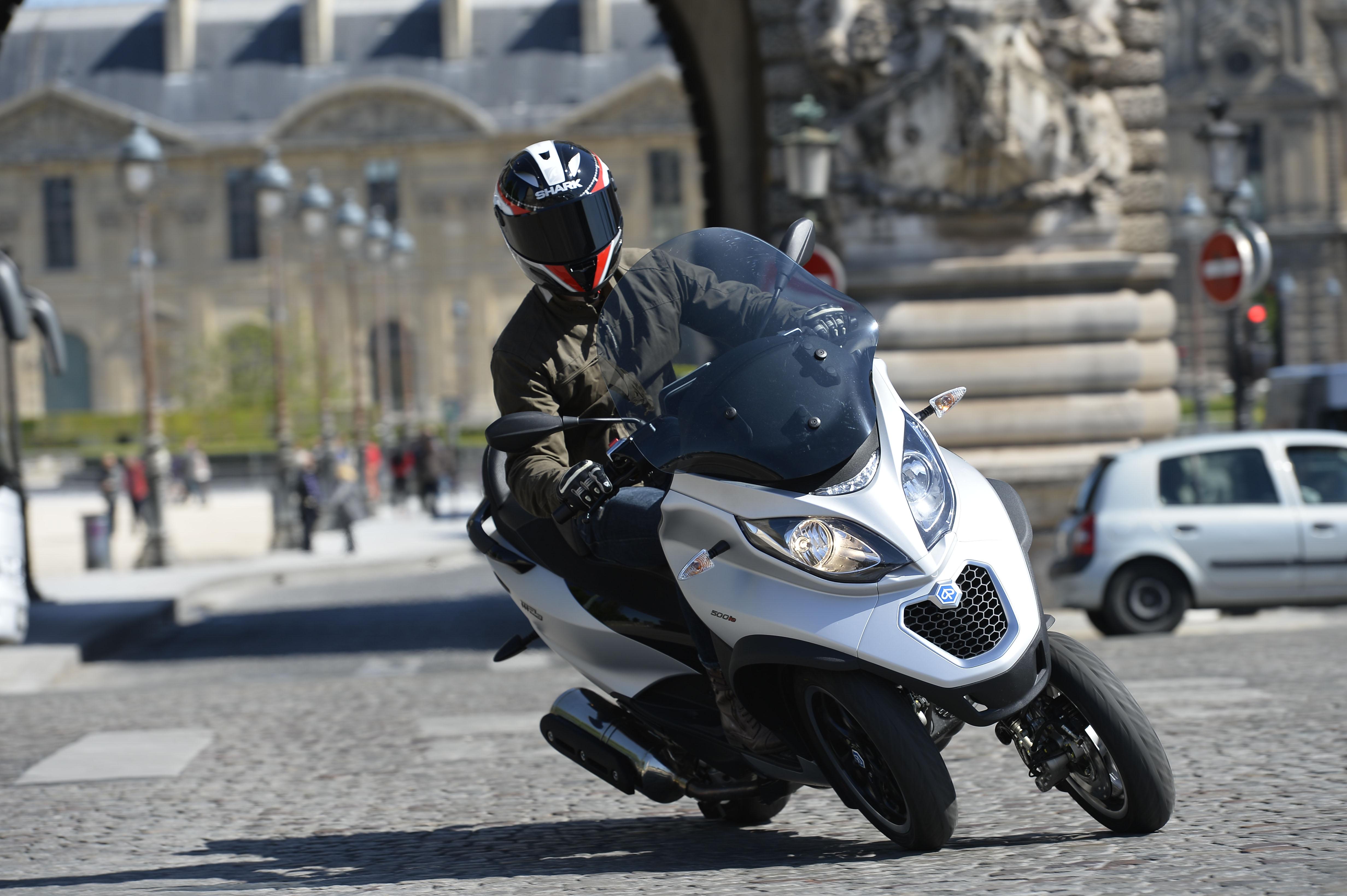First ride: 2014 Piaggio MP3 500 Sport r... | Visordown