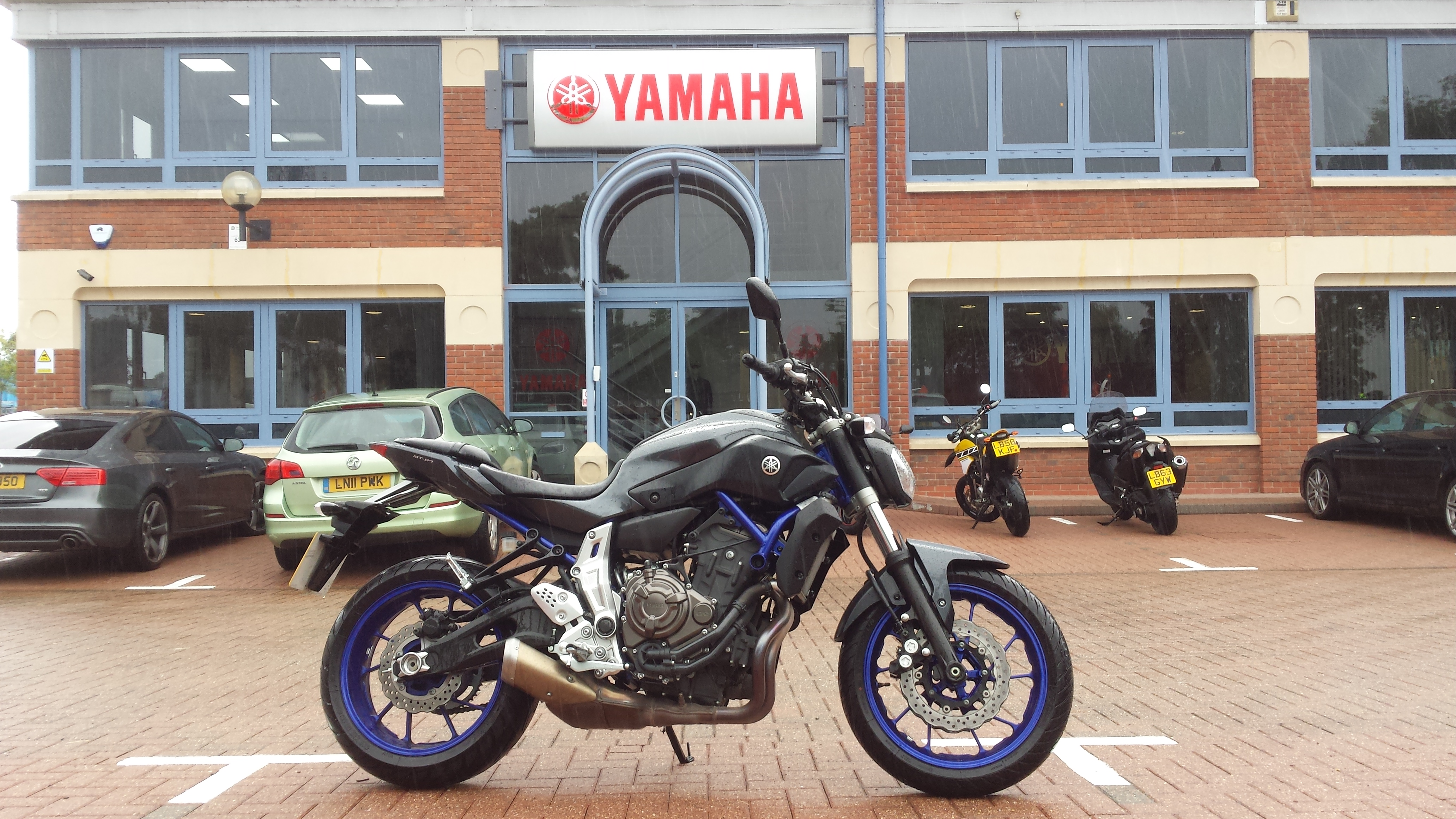So Is Yamahas Mt 07 Really Better Than An Sv650s Visordown