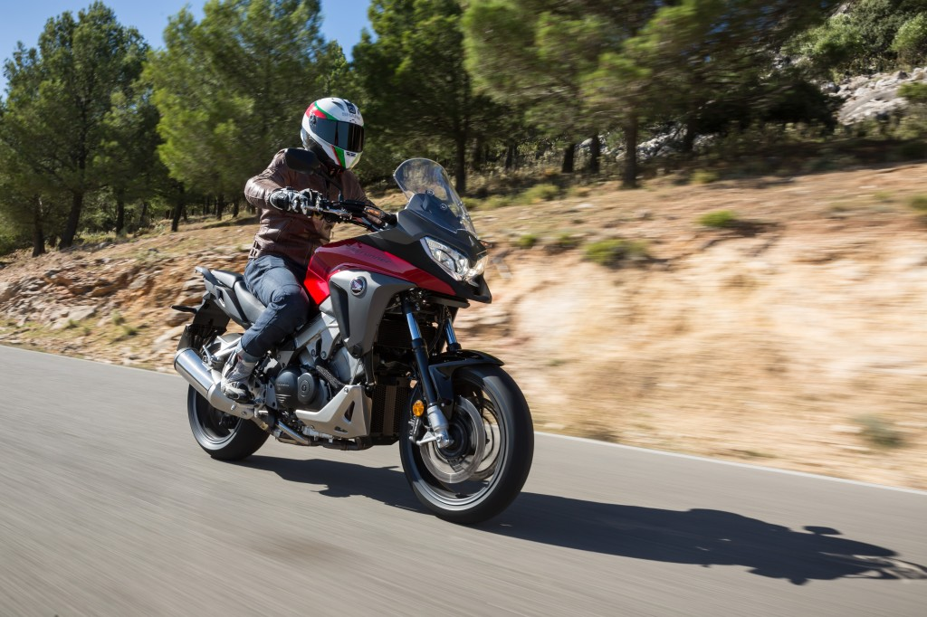 First ride: 2015 Honda VFR800X Crossrunn... | Visordown