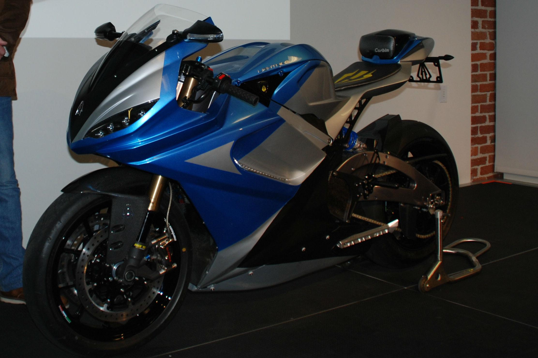 Fastest Electric Bike >> First Lightning LS-218 electric superbike delivered ...