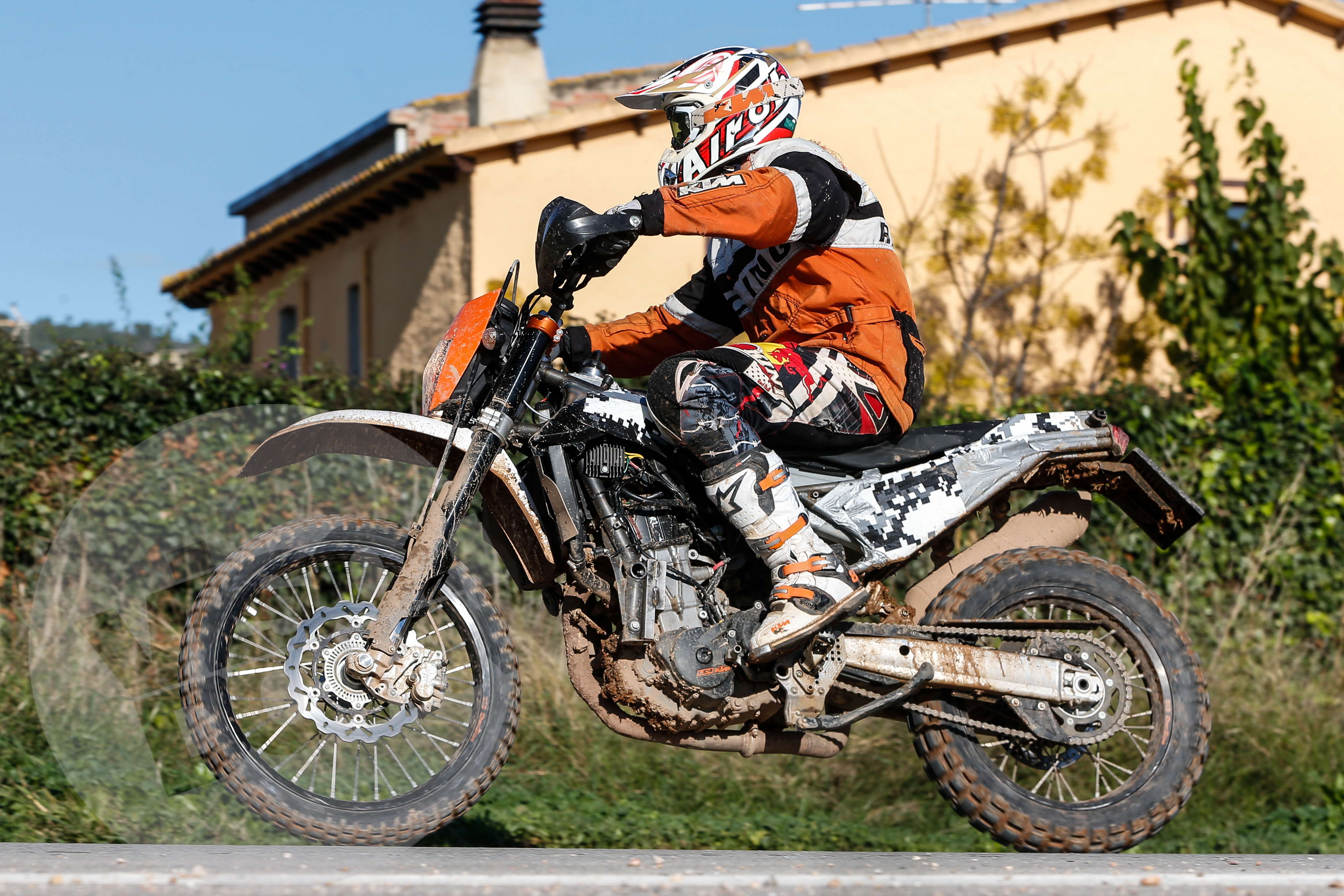 first on visordown new ktm 690 enduro r visordown. Black Bedroom Furniture Sets. Home Design Ideas