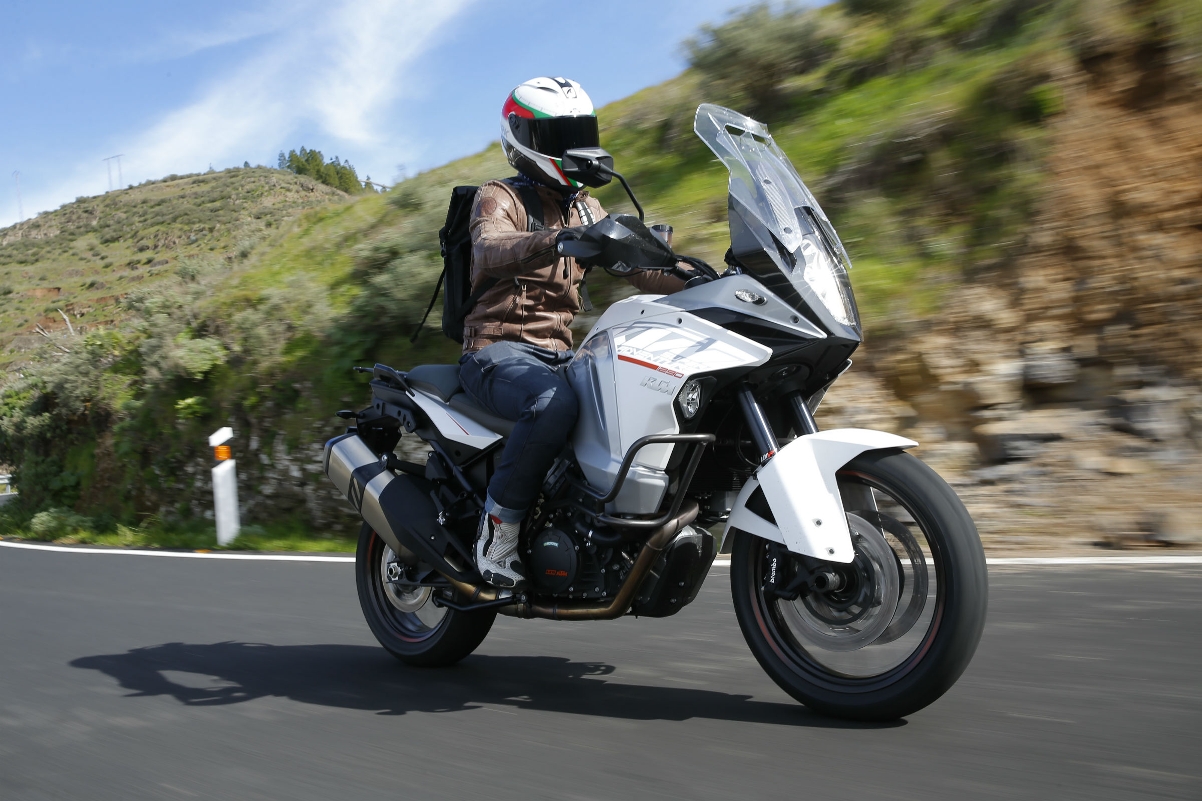 first ride: ktm 1290 super adventure review | visordown