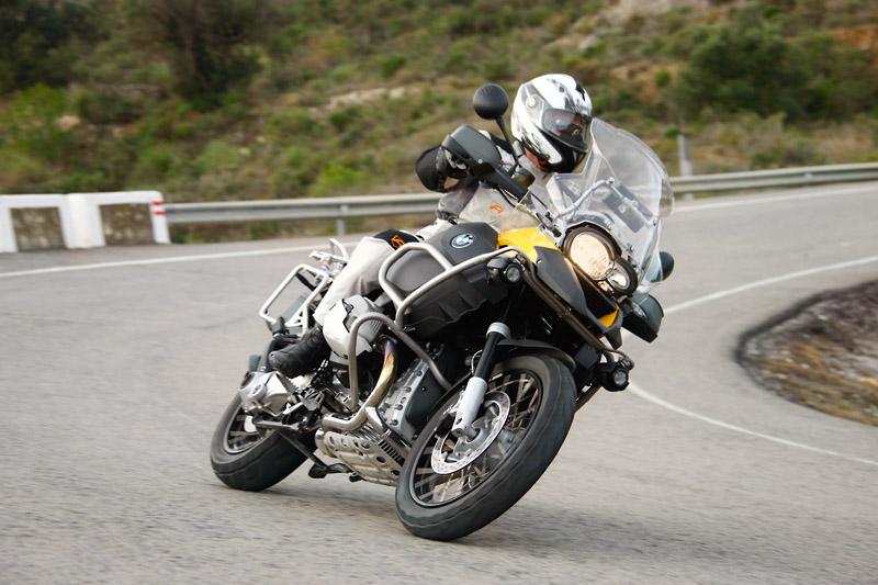 BMW recalls over 300,000 bikes