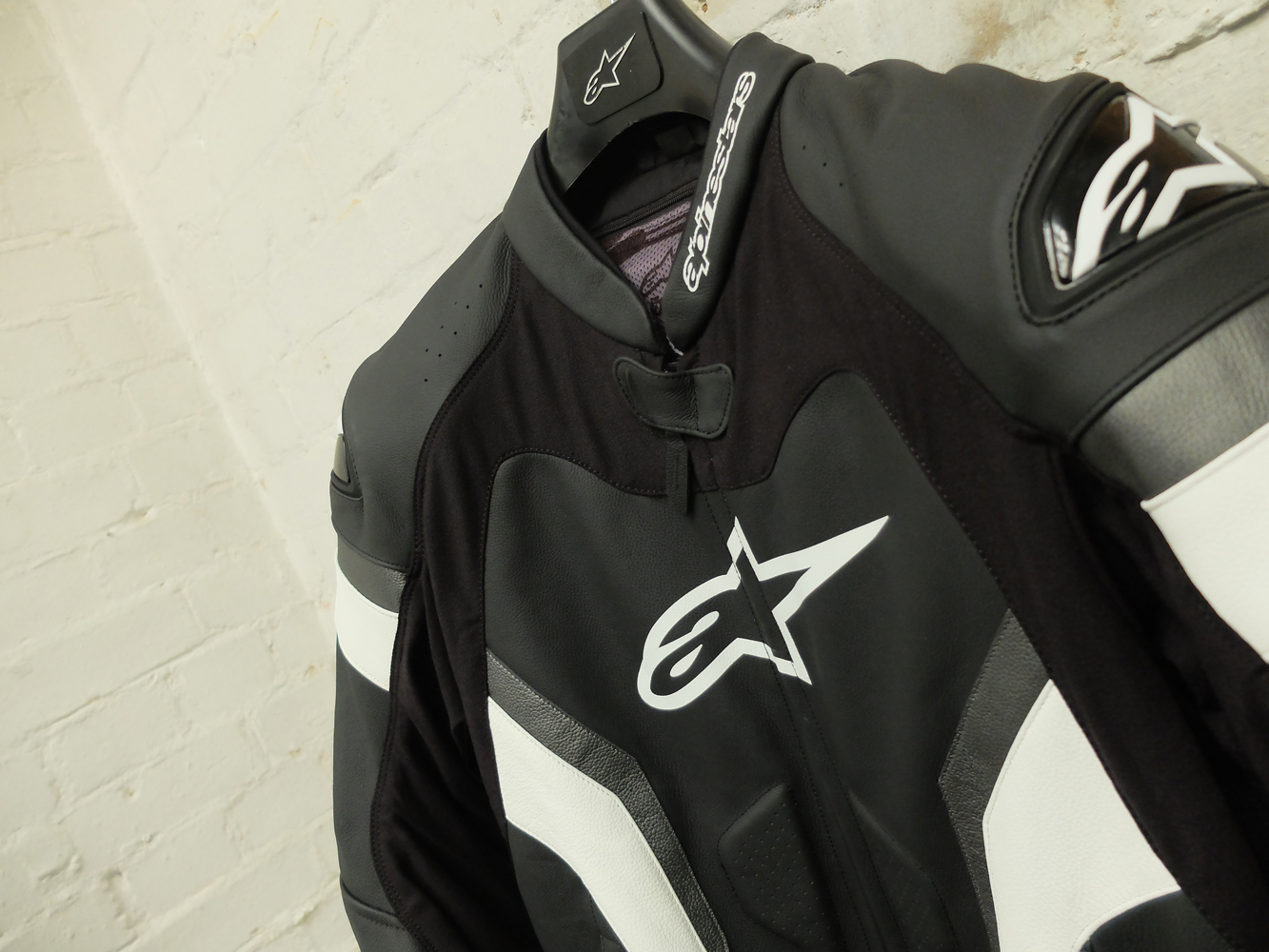 first look alpinestars gp pro visordown. Black Bedroom Furniture Sets. Home Design Ideas