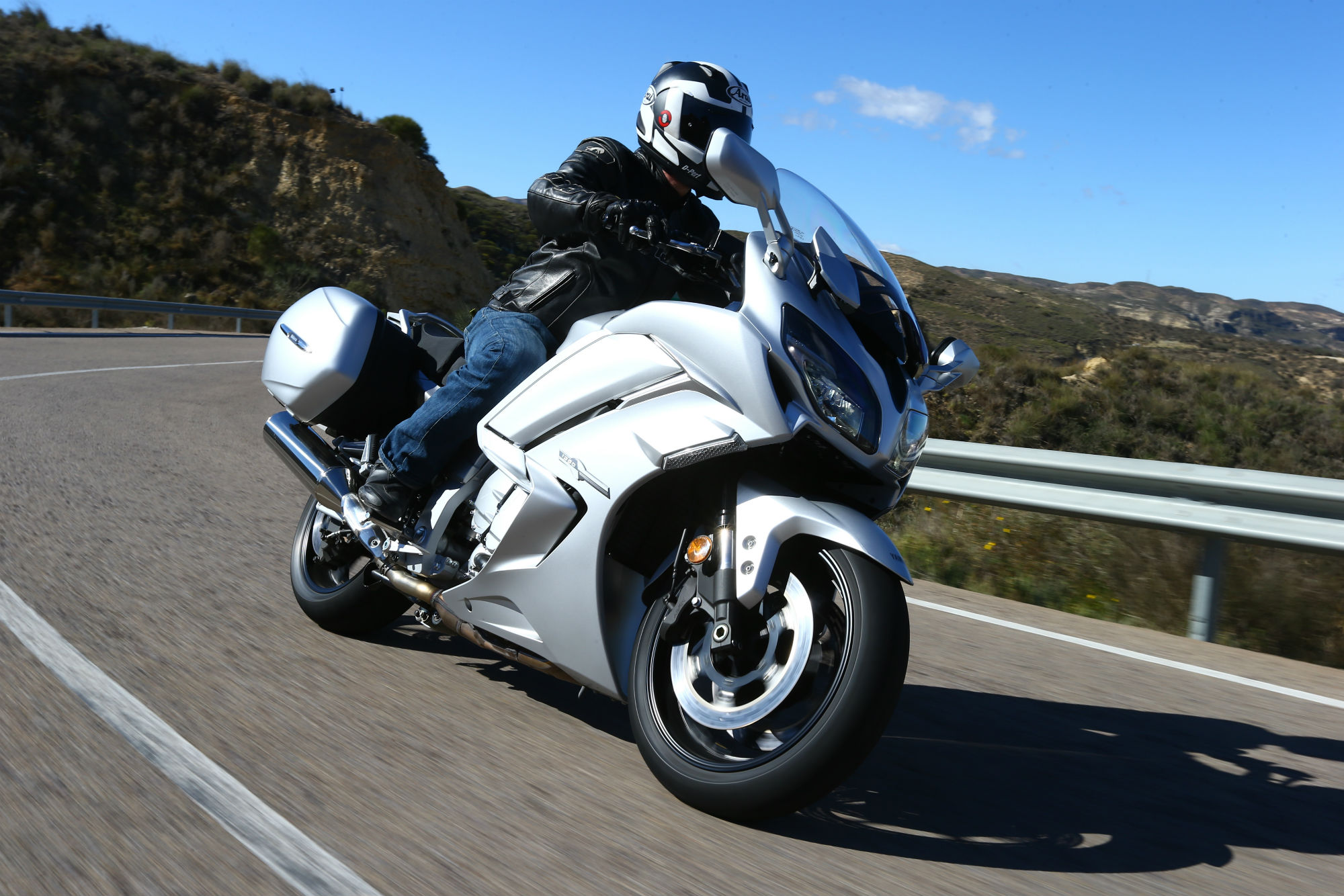 First ride: Yamaha FJR1300 review | Visordown