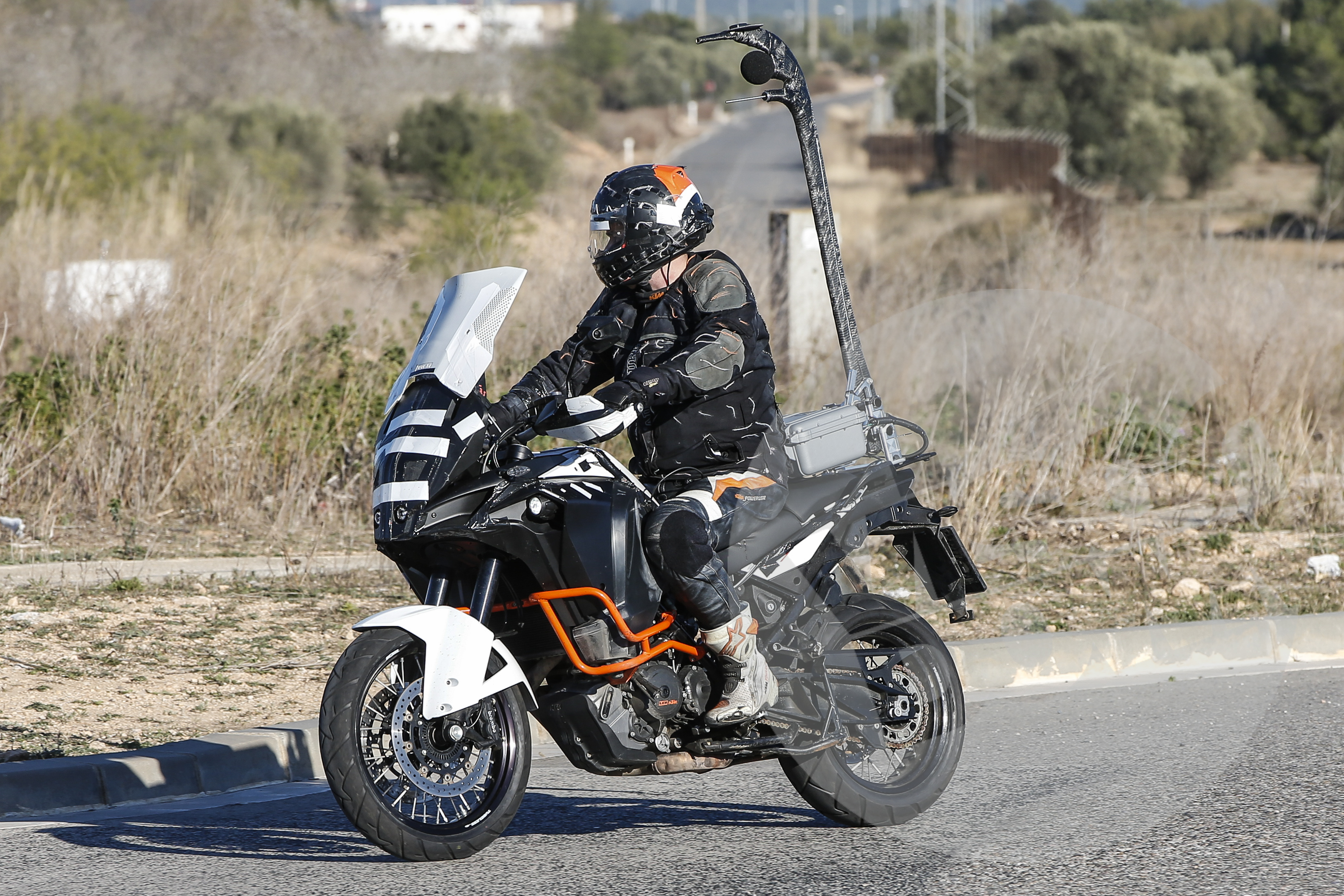 spy shot: face-lifted ktm 1290 super adv | visordown
