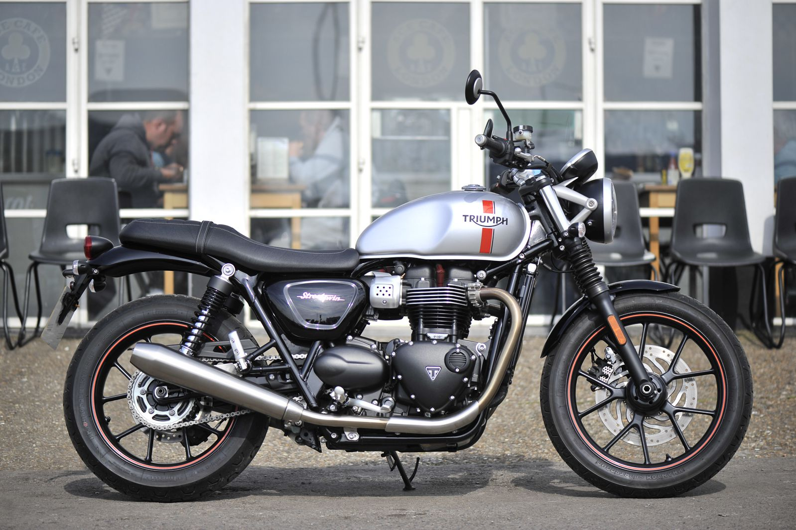 triumph bonneville street twin and t120 visordown. Black Bedroom Furniture Sets. Home Design Ideas