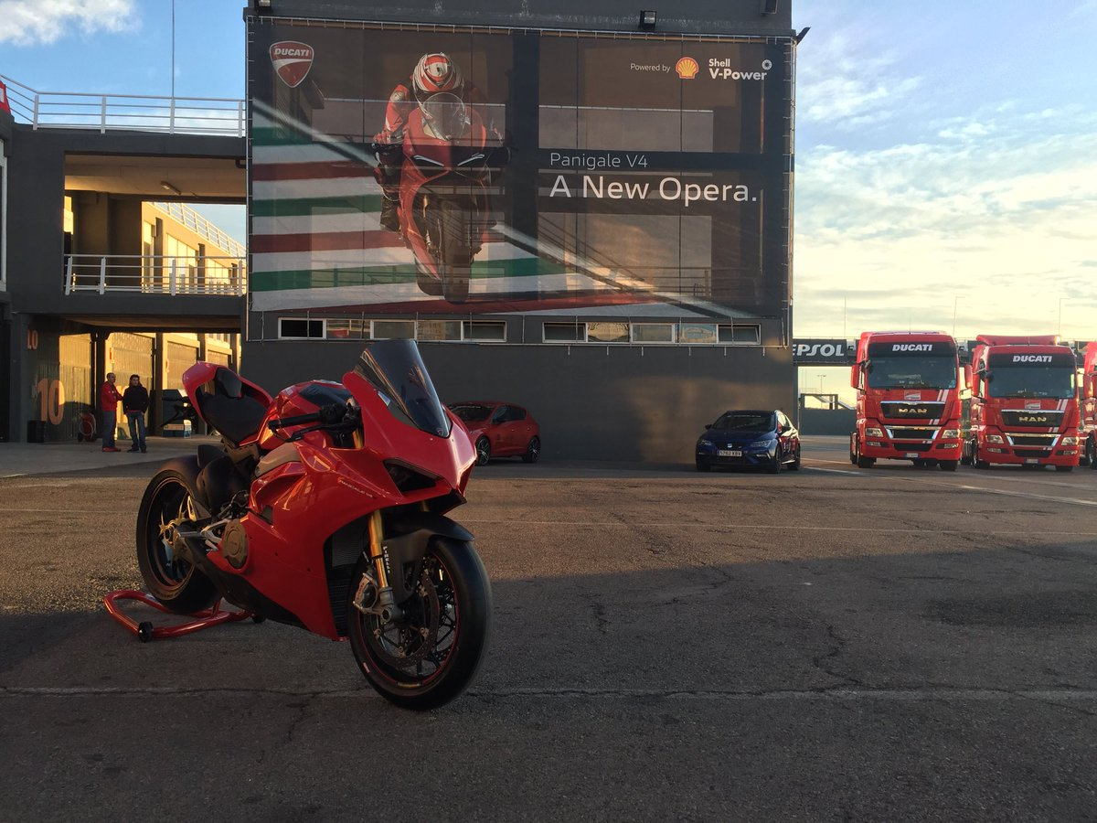 Ducati Panigale V4 review: first thoughts