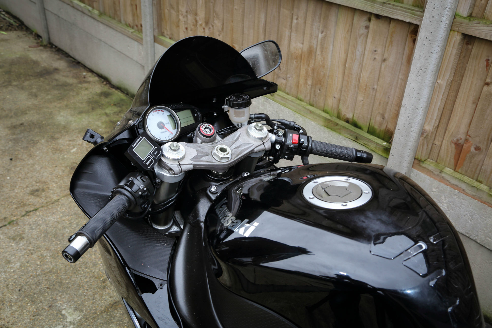 How to... fit new clip-on motorcycle handlebars