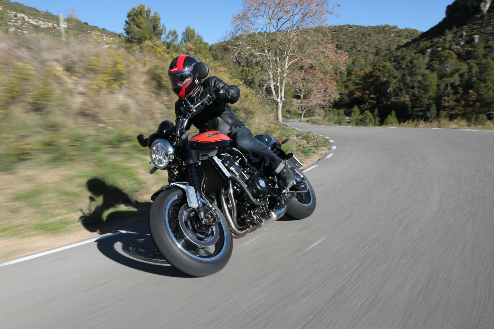 First Ride Kawasaki Z900rs Review Visordown