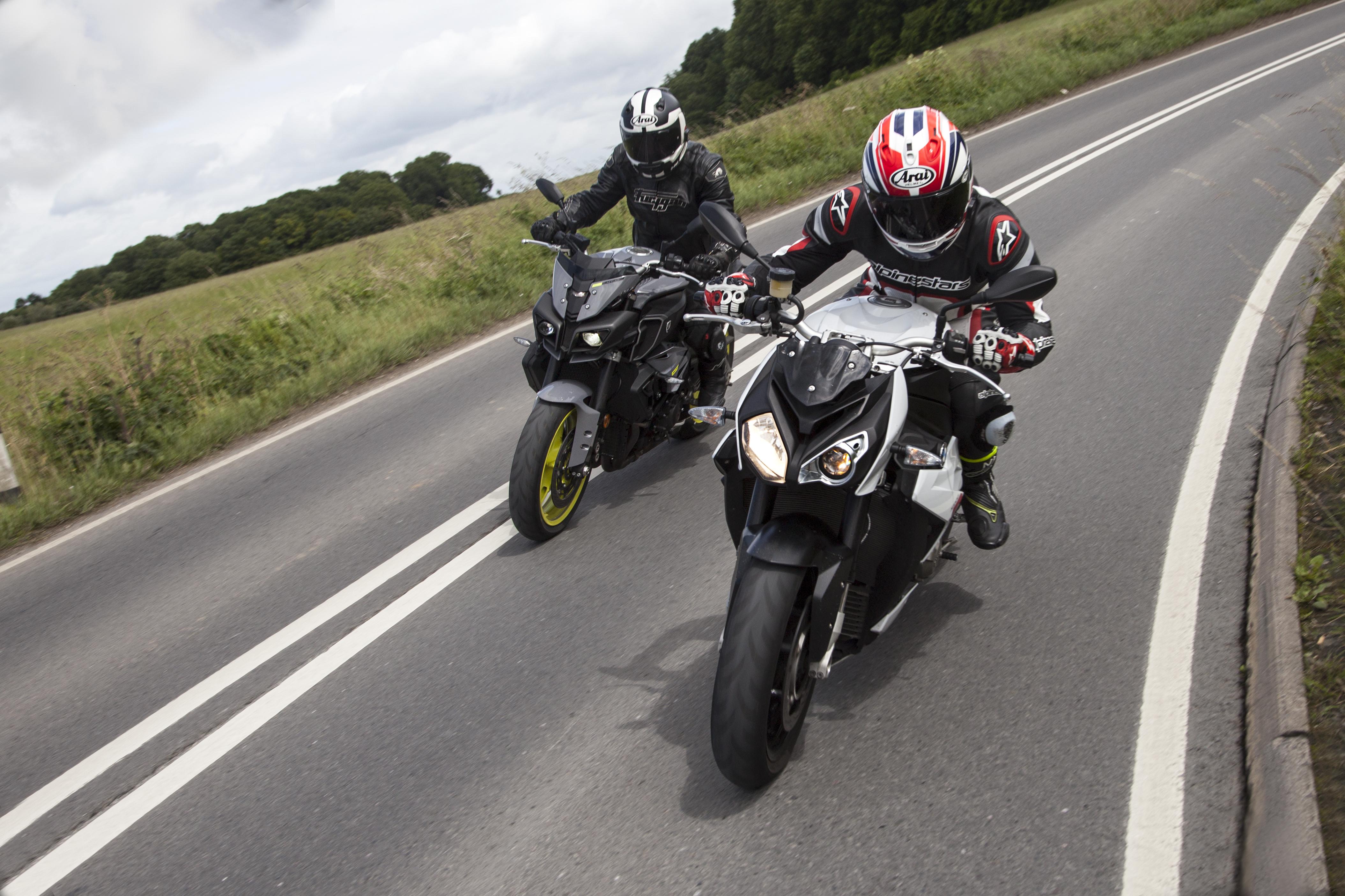 Back-to-back test: Yamaha MT-10 vs BMW S... | Visordown
