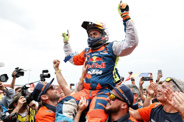 Matthias Walkner celebrates his maiden Dakar win