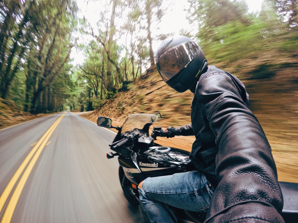 The riding selfie: a dangerous new trend?