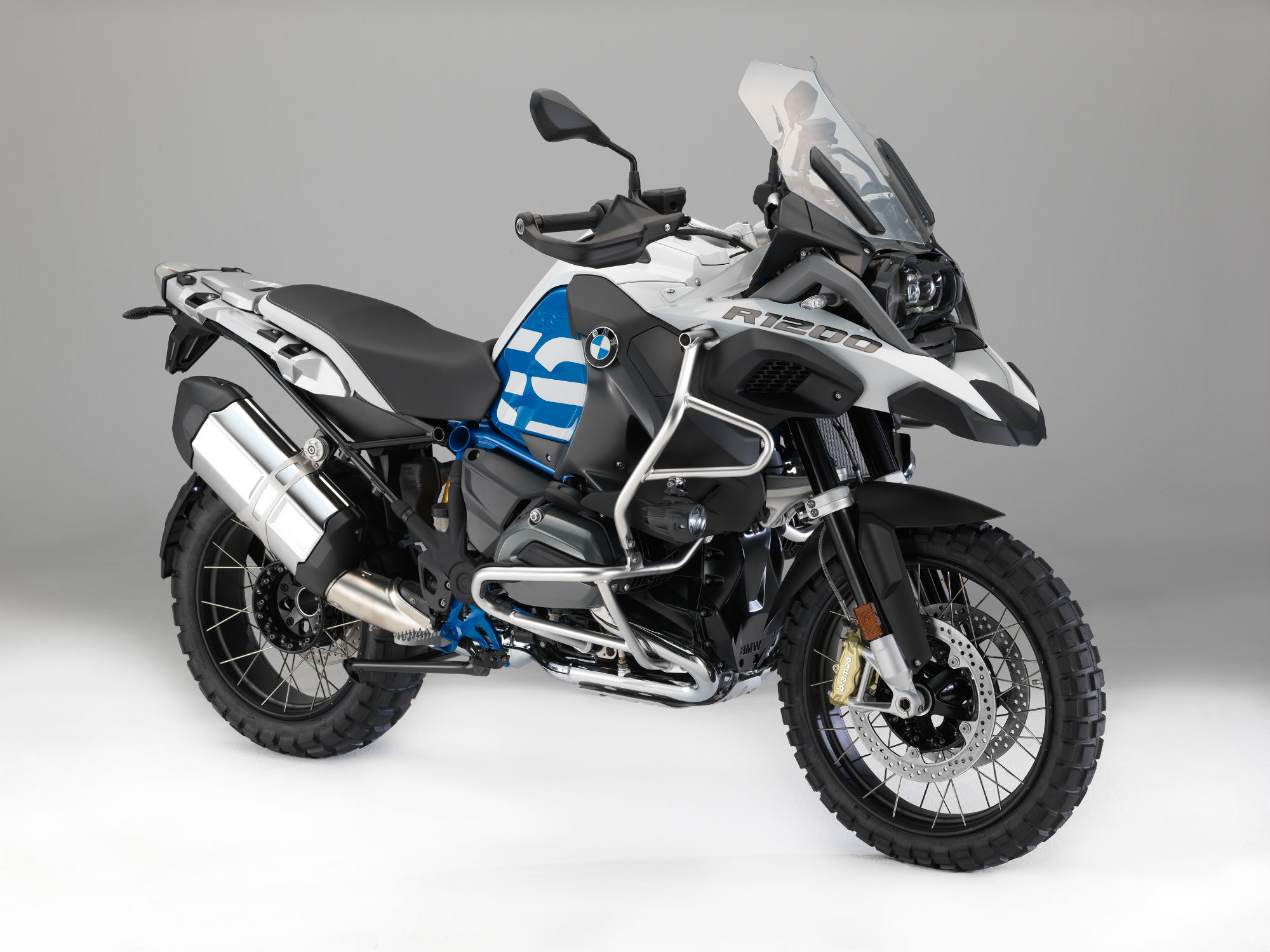 2018 bmw s1000r. simple bmw bmw reveals updates for 2018 on bmw s1000r