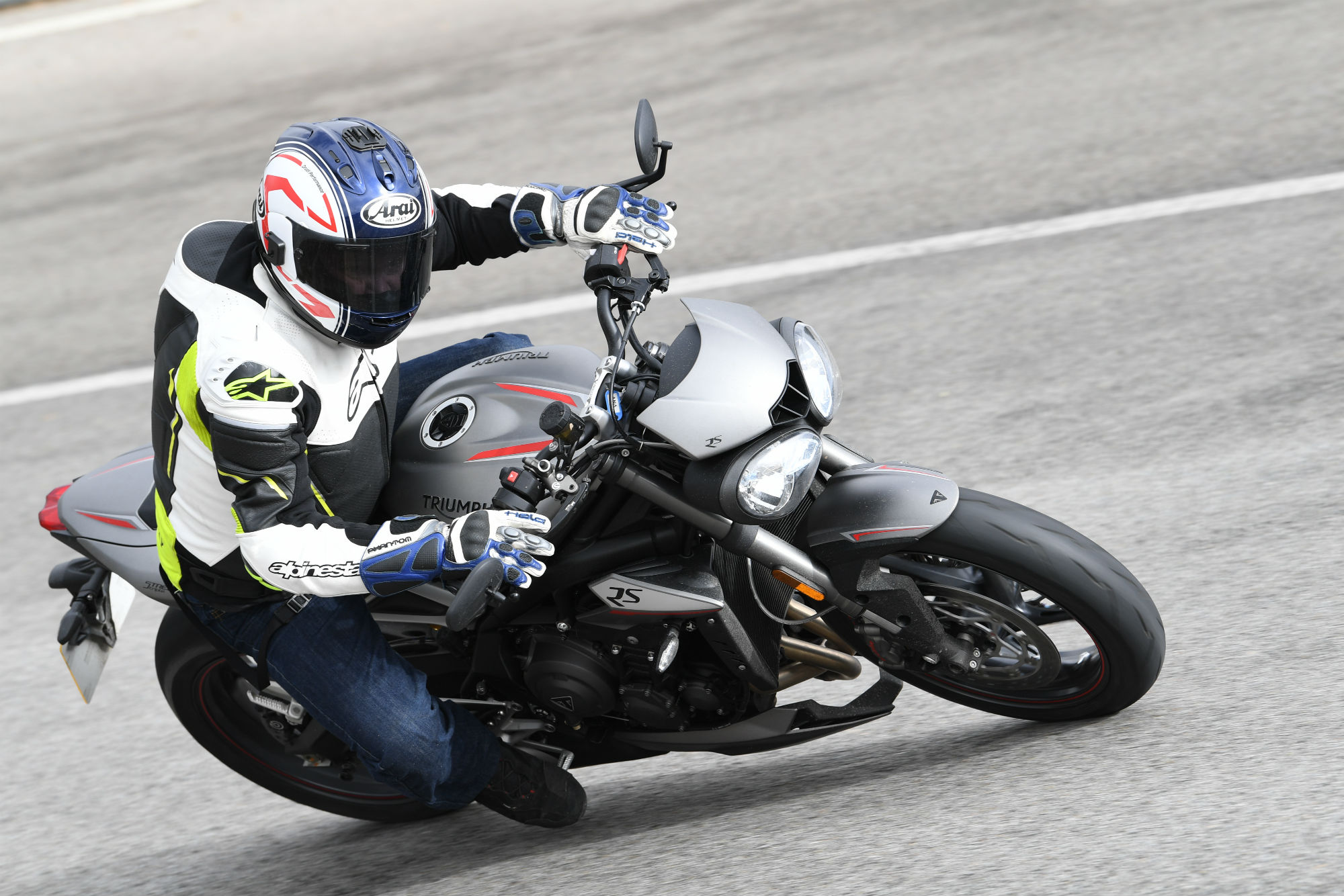 First ride: Triumph 765 Street Triple RS... | Visordown