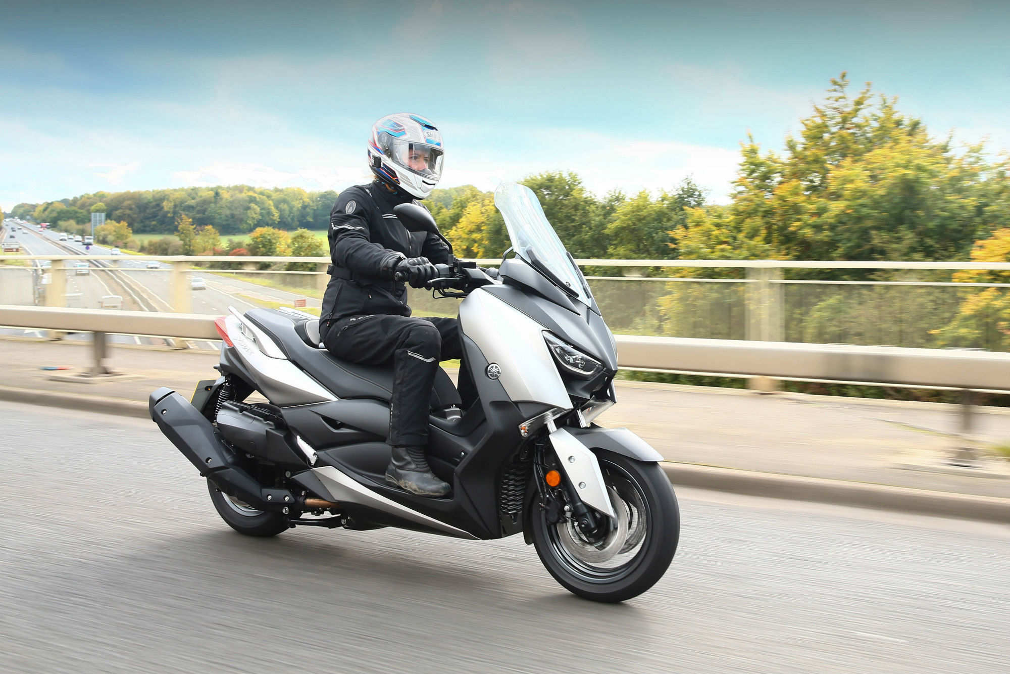 first ride yamaha xmax 400 review visordown. Black Bedroom Furniture Sets. Home Design Ideas