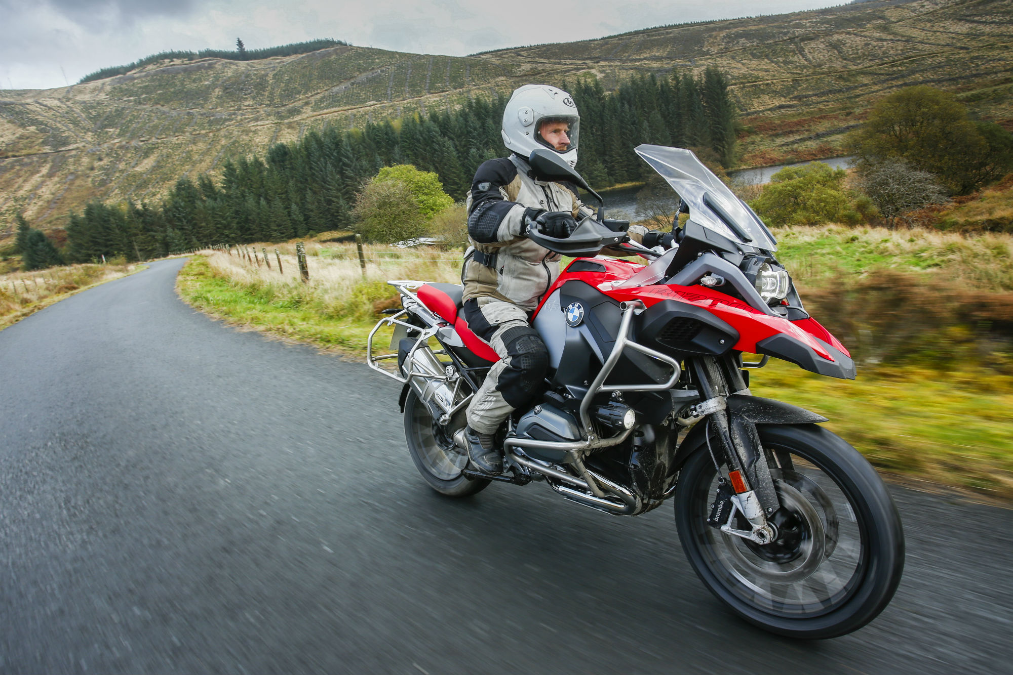 First Ride Bmw R1200gs Adventure Review Visordown The Top Line Of Bikes