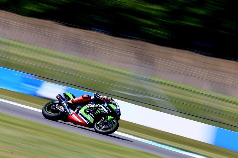 Tom Sykes, Kawasaki Racing Team, Donington Park [Credit: Gold and Goose]