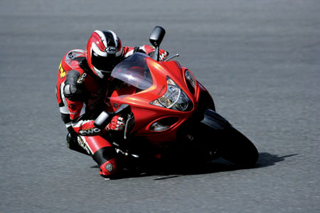 First Ride: Suzuki GSX1300R Hayabusa | Visordown