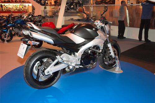 NEC 2005: Suzuki Bike Photos