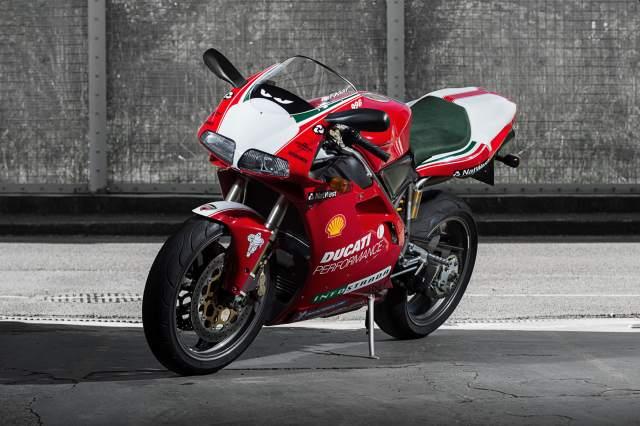 Ducati 916 Carl Fogarty