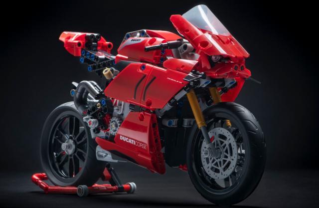 Ducati Panigale V4 R Lego Technic 1200