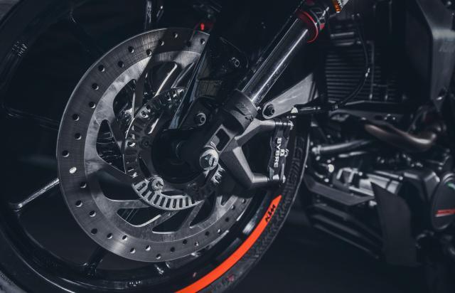 KTM 125 Duke front brake