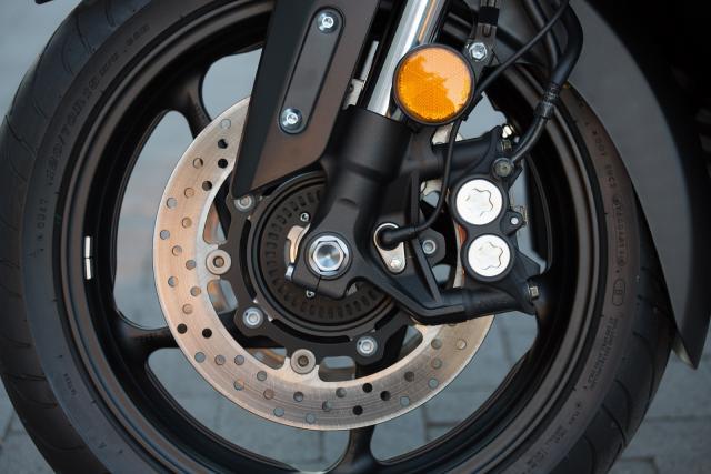 2017 Yamaha TMAX brakes