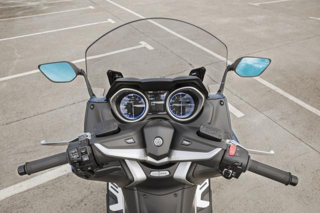 Yamaha TMAX dash