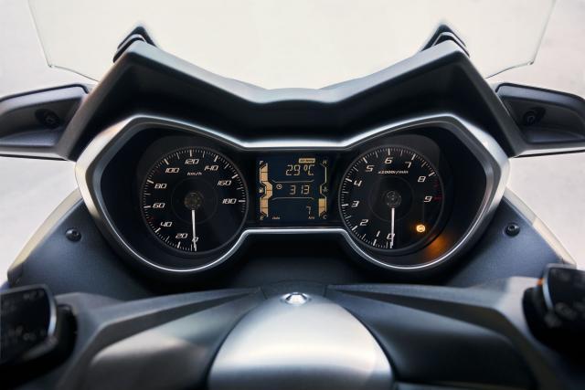 Updated Yamaha X-MAX 400 revealed
