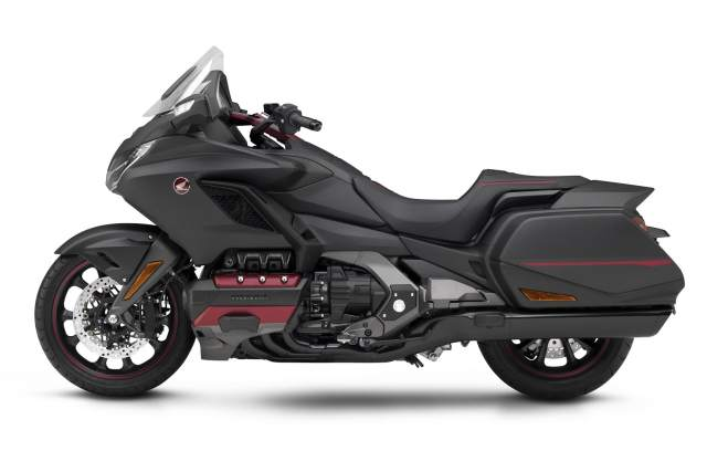 2020-Honda-Gold-Wing-DCT-First-Look-touring-motorcycle-2.jpg