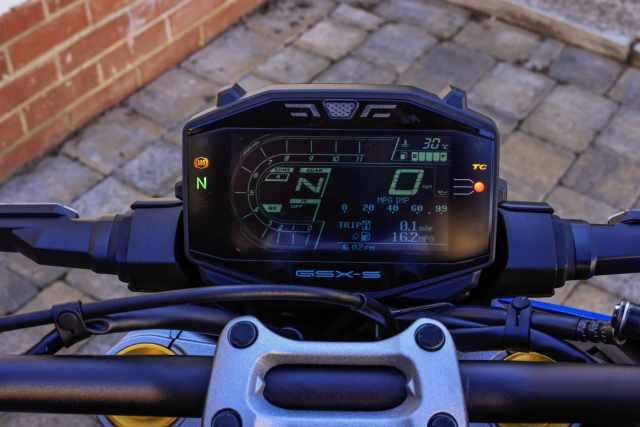 2021 GSX-S1000 Visordown review