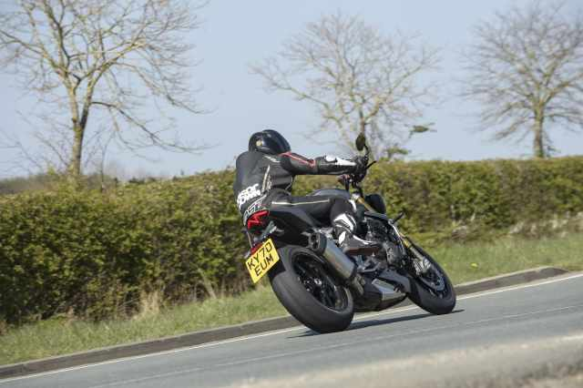 2021-Speed-Triple-1200-RS-Visordown-Review