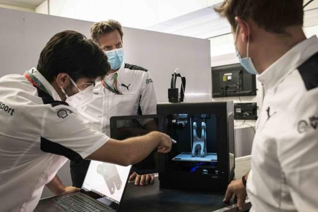 BMW WorldSBK Team Manufacturing 3D parts